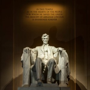 Love is in the Air - Lincoln Memorial  - Nicole Moreland - Prime Advertising Blog